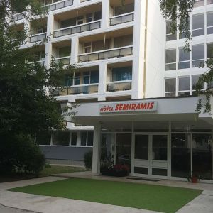 Hotel Semiramis Saturn
