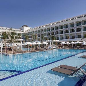 Hotel Karmir Resort and Spa