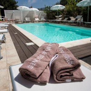 Hotel Villa Serena sau similar