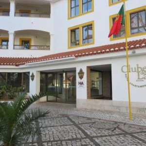 Hotel Clube do Lago sau similar