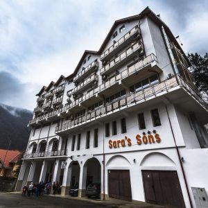 Sarbatori la Hotel Saras Sons