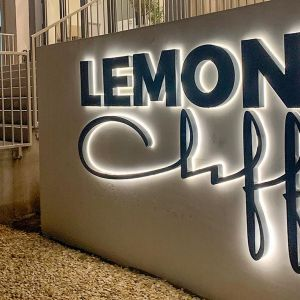 Lemon Cliff Luxury