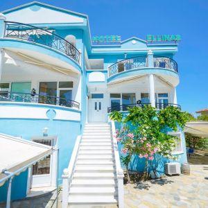 Ellinas Hotel